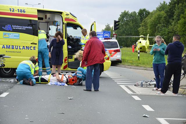 Hoofddorp: Fietser zwaar gewond na aanrijding N201