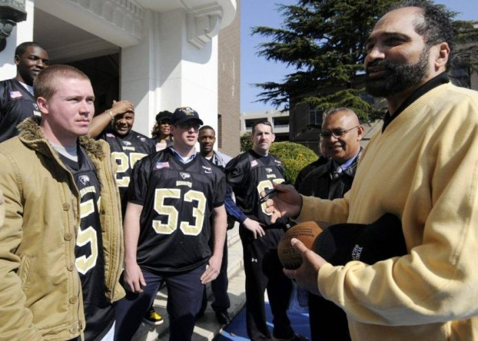 Franco Harris: Retiring His Steeler Jersey