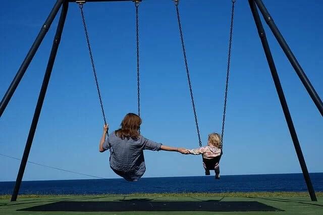 Ganar dinero en verano siendo babysitter