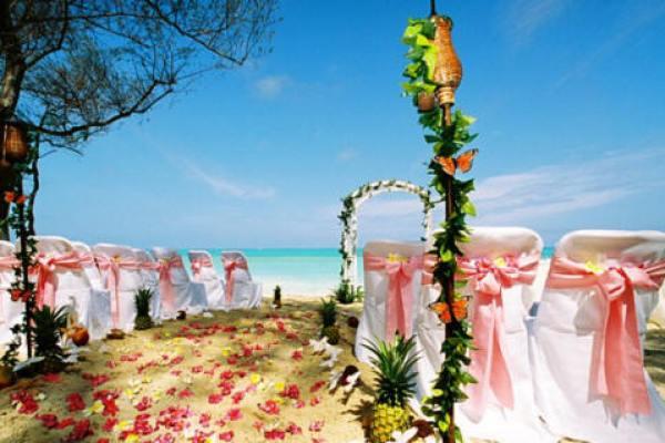 al-fresco-Hawaii-wedding
