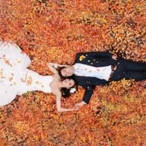 fall-wedding-couple