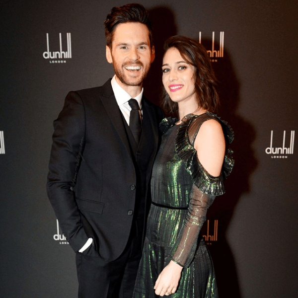 Lizzy Caplan and Tom Riley
