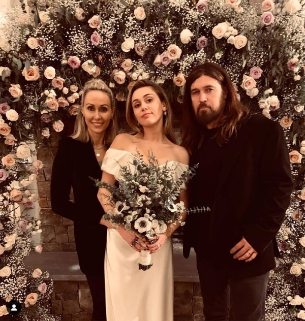 Liam Hemsworth weds Miley Cyrus
