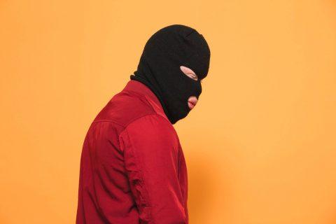 Kalash Criminel : a 15 piges j'ai acheté un 9 millimètres