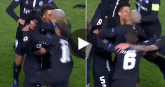 PSG : Mbappé et Kehrer s'embrassent pour célébrer le but de Marquinhos face à Belgrade