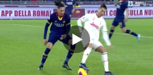 Cristiano Ronaldo : son dribble absolument dingue sur Chris Smalling (Vidéo)