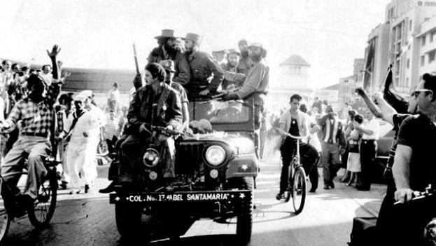 Fidel Castro entrando a La Habana el 8 de enero de 1959