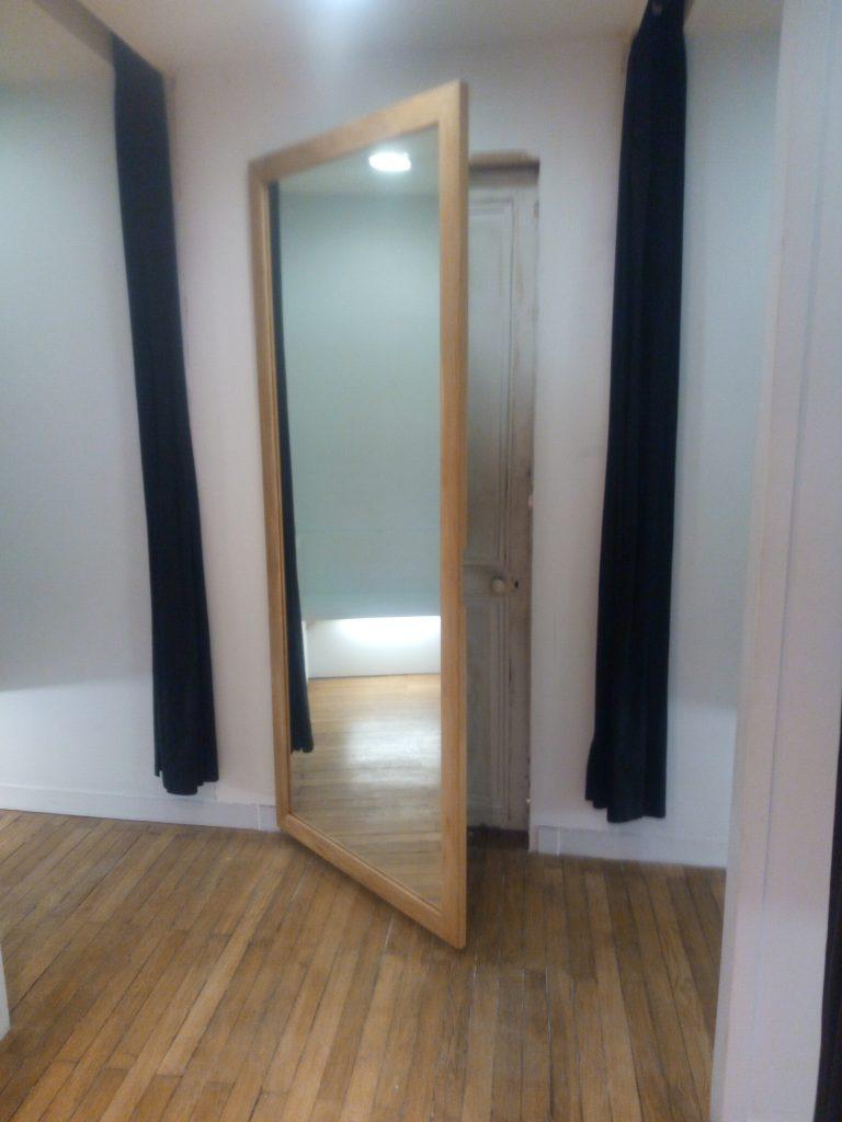 Pose Porte Miroir Magasin Nantes Menuisier Pour Les