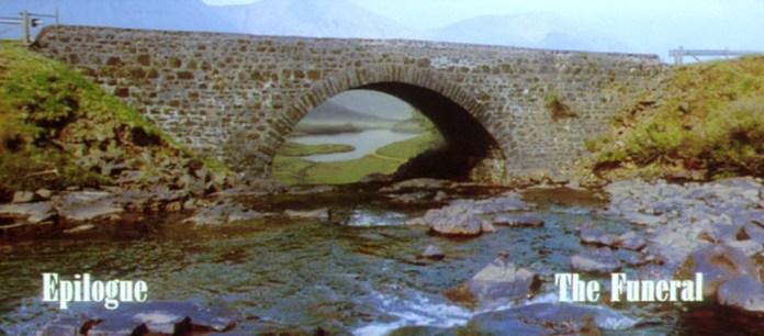 Fig. 1: Det er muligt at lade tankerne forsvinde i landskabernes dybde og dvæle ved det, der gik forud i filmen.