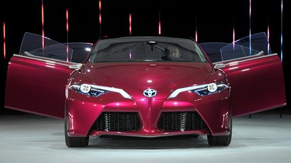 Toyota NS4 Plug-in Hybrid