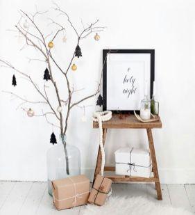 Bild: https://i.pinimg.com // Ein trockener Ast statt einem Baum