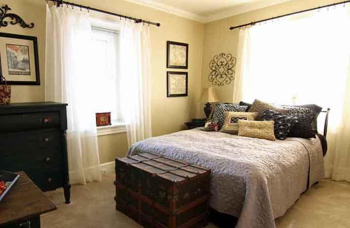 Traveler's Nook Bedroom, 1777 Americana Inn Bed and Breakfast Lancaster PA