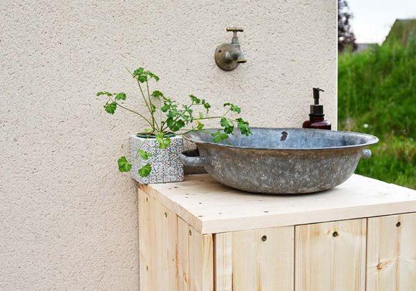 Diy Recup Fabriquer Un Meuble Vasque Avec Une Vieille Bassine