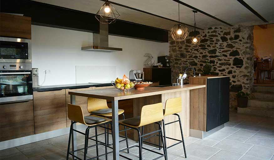 Avant Apres Renovation D Une Maison En Pierre Mix Ancien Style Industriel