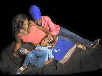 Sizzla, Black woman and child