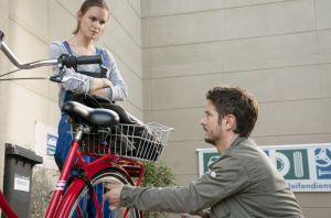Jack (Cosima Viola) wähnte sich mit Timo in einer fast normalen Arbeitssituation, bis sie ihren Schlüssel vermisst. Sie ist verunsichert. Stalkt Timo sie etwa noch immer?