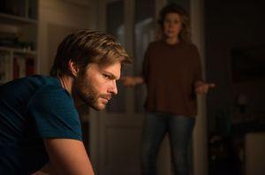 Johannes (Felix Maximilian) steht unter Druck, denn Nina (Jacqueline Svilarov) belastet die Situation, dass er eigentlich obdachlos ist und sie das vor ihren WG-Bewohnern verheimlichen muss.