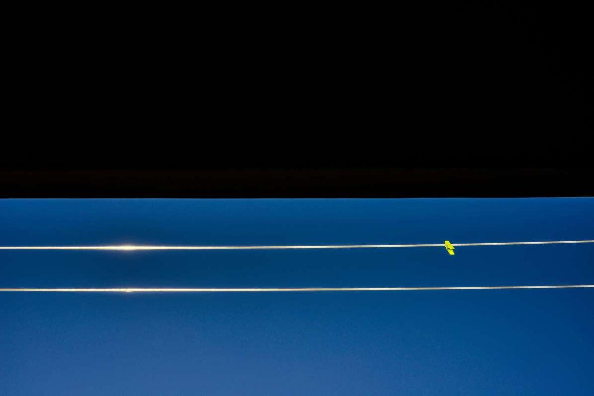 2 WIRES ©lucaromanopix