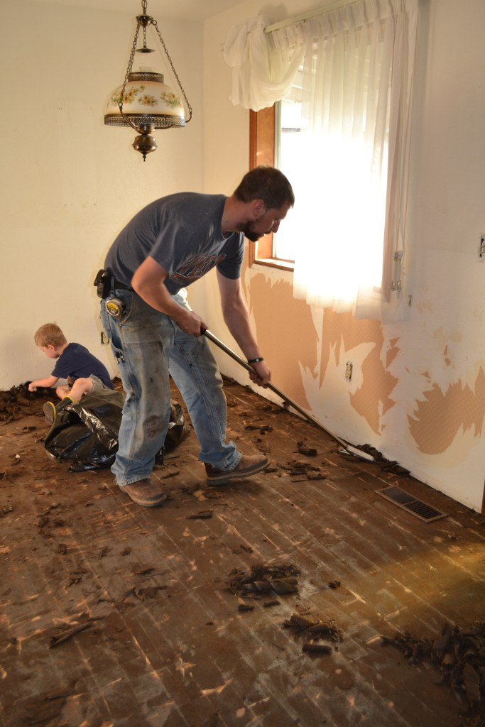 How To Remove Laminate Flooring 1905 Farmhouse