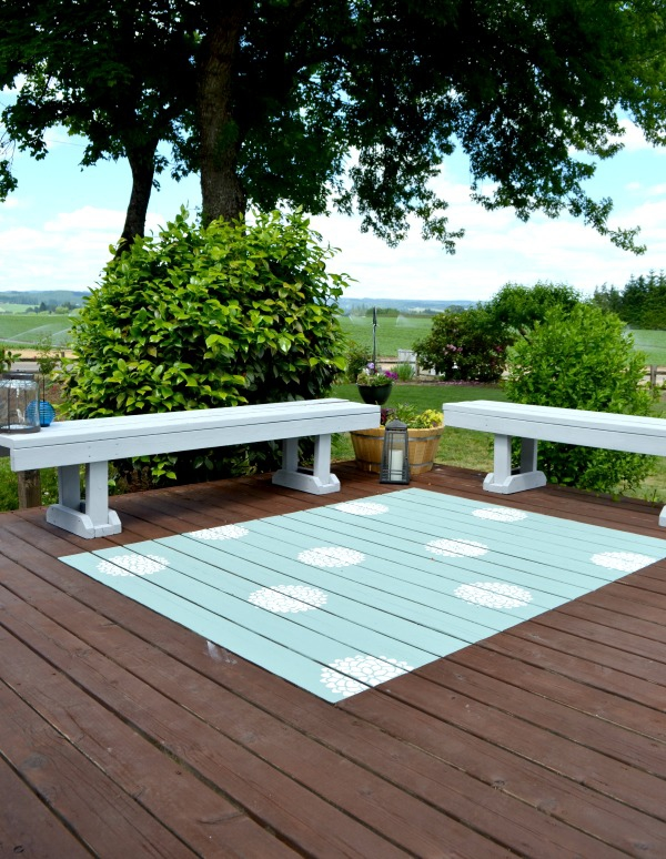 DIY: Painted Outdoor Rug