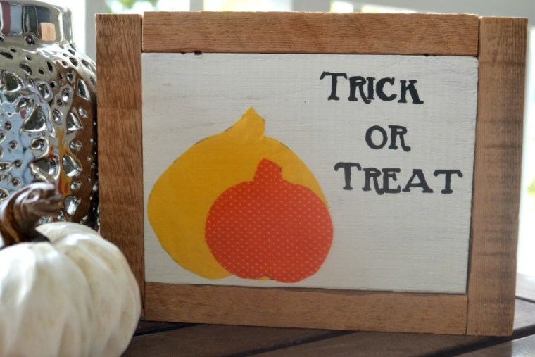 DIY Halloween wood sign decor