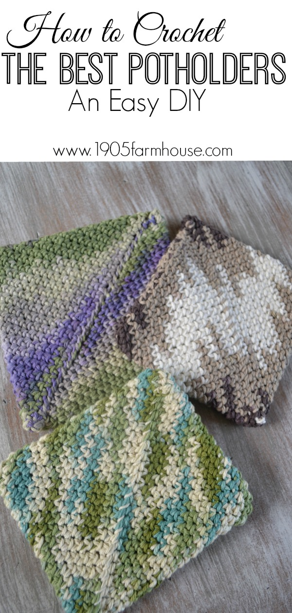 An easy and fun DIY project that you can complete in a day or several in a weekend, these potholders make great gifts for moms, grandmas and plenty others #crochet #diyproject #crafting