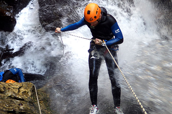 Canyoning-descente-rappel