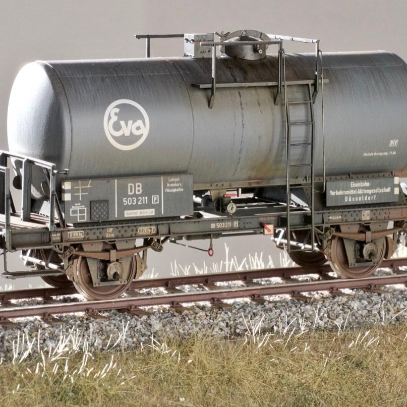 Verschmutzter Kesselwagen für Bilderschau