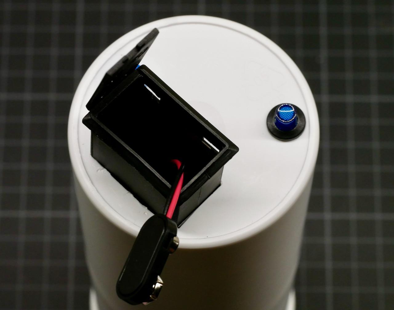 Batteriefach herausziehen