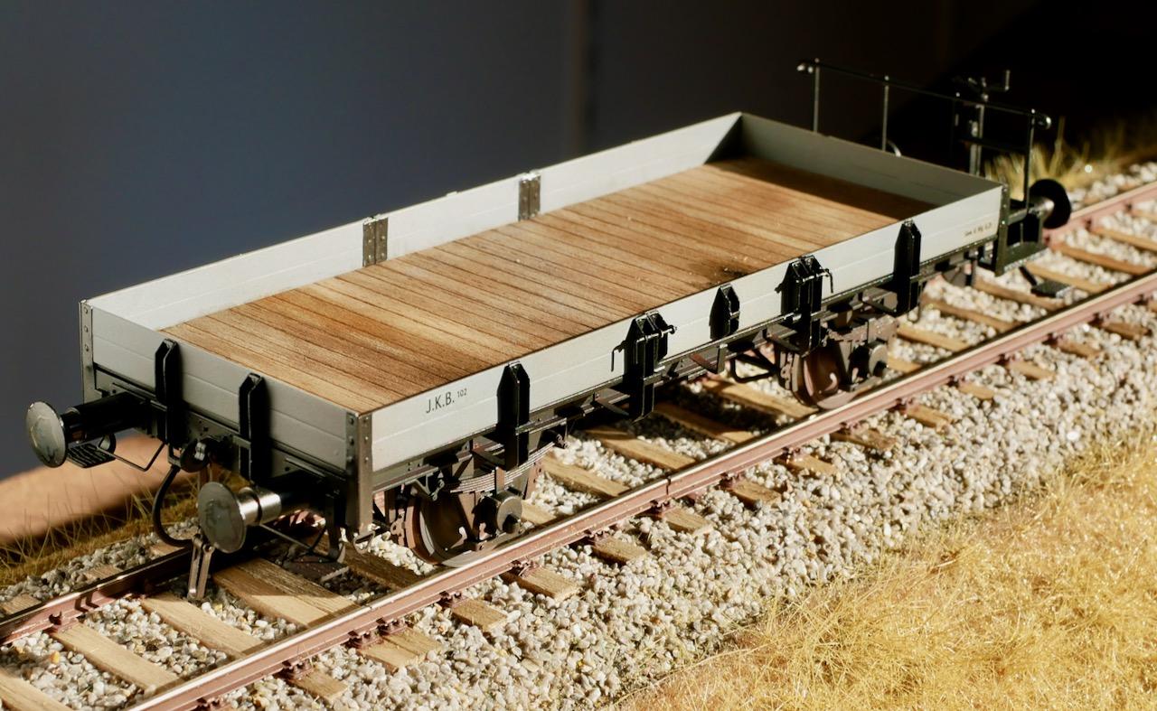 X-Wagen mit Holzboden