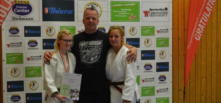 Melissa Räther und Ramona Sudhoff vom 1. JJJC Dortmund auf dem Weg zu den Deutschen Meisterschaften im Judo