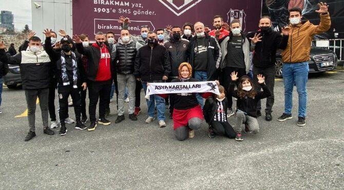 Beşiktaş taraftarından protesto…'Bu skandal kararı kabul etmiyoruz'
