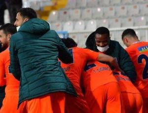 Medipol Başakşehir'in kümede kalma umudu