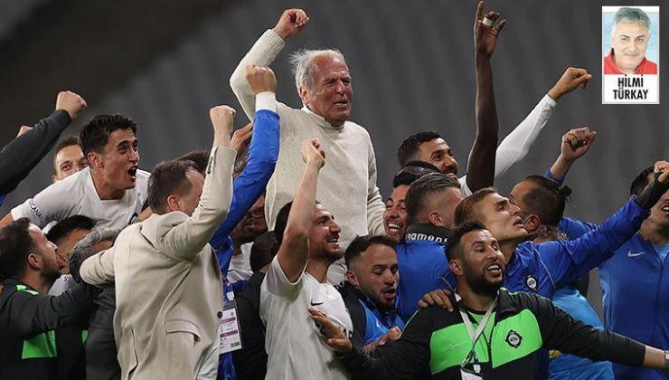 Denizli, takımını Süper Lig'e çıkarırken İzmir halkı büyük coşku yaşadı