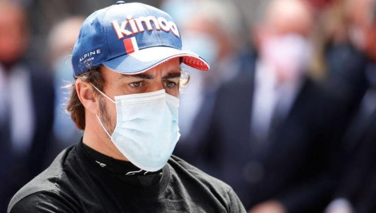 """Fernando Alonso: """"Sokak pistleri için özel lastik kullanılmalı"""""""