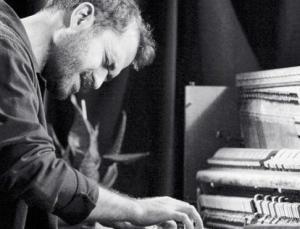 """""""Kendi sesimi bulamadıkça piyano ile konuşmam da arttı"""""""