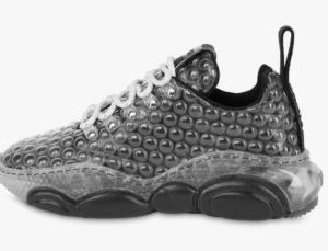 Moschino'nun yeni spor ayakkabısı tasarımıyla dikkat çekti