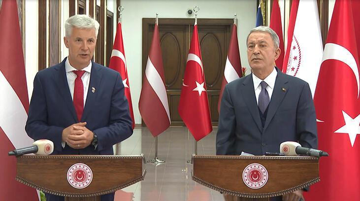 Bakan Akar, Letonya Başbakan Yardımcısı Pabriks ile bir araya geldi