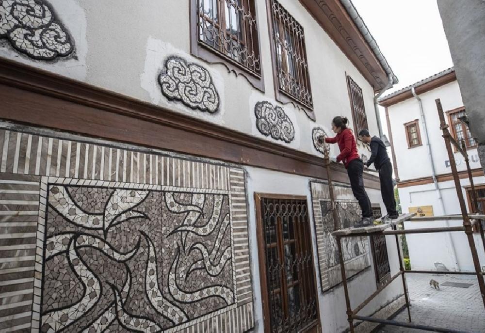 sanatci menekse bilgicin eserleri fener sokak duvarlarini susleyecek 3 VbLvdEzw