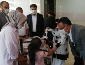 AK Parti Şahinbey İlçe Teşkilatı'ndan ihtiyaç sahibi çocuklara bayram hediyesi