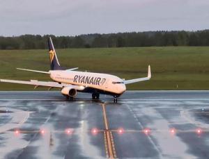 Belarus basını: Ryanair uçağını Minsk'e indiren görevli ailesiyle birlikte Belarus'tan ayrıldı