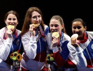 Rus eskrimciler Olimpiyatlarda altın madalya kazandı