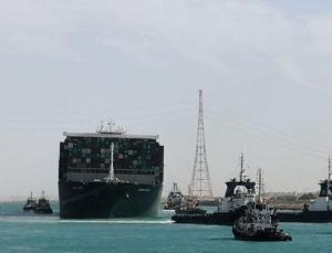 Süveyş Kanalı bu yıl tarihinin en yüksek gelirini elde etti