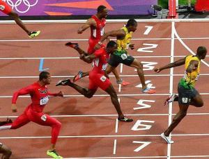 Tokyo Olimpiyatları: Atletizmde 10 saniye barajını delen koşucuların artmasında bilimin etkisi ne?