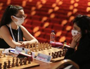 satranç sporcuları okullarda pandemi kurallarını anlatıyor