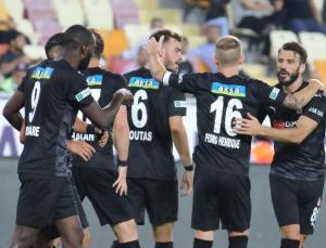 sivasspor ligde ilk kez kazandı, yeni malatyaspor galibiyeti unuttu