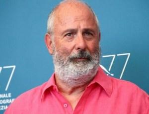 ünlü yönetmen roger michell hayatını kaybetti