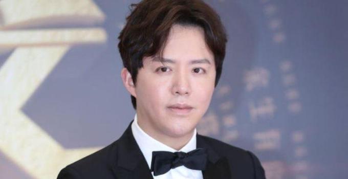Çin'in 'Piyano Prensi' Li Yundi seks işçisiyle birlikte olma suçlamasıyla gözaltında