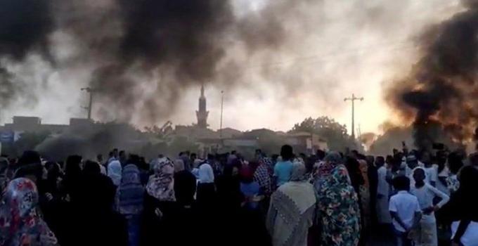 Darbe girişimi sonrası Sudan karıştı! Ölü sayısı artıyor