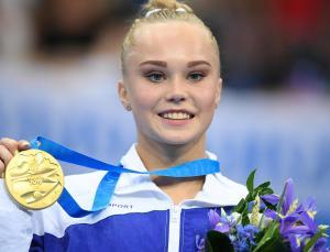 rus jimnastikçi melnikova, dünya şampiyonası'nda altın madalya aldı